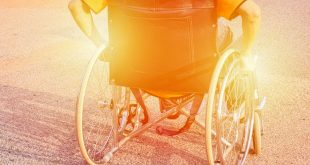 विकलांगों के प्रति हमारी दृष्टि और कर्त्तव्य पर निबंध Hindi Essay on Disability